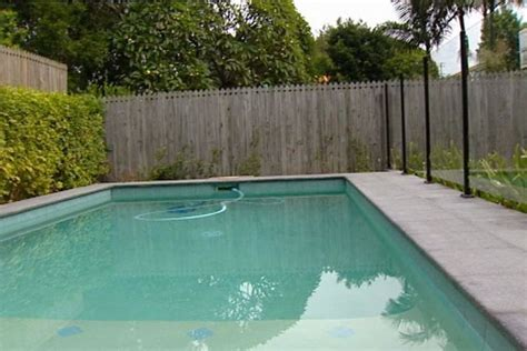 Australian Backyard by Backyard Swimming Pool Abc News Australian Broadcasting