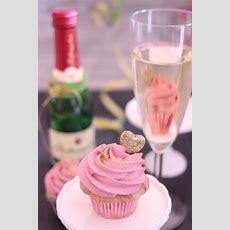 Himbeere Champagne Cupcakes  Ein Prickelnder Geburtstag