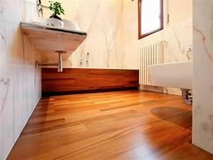 idee salle de bain teck pour une deco bois durable et jolie With parquet salle de bain teck