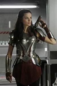 Sneak Peek: Jaimie Alexander Brings 'Thor' Sidekick Lady ...