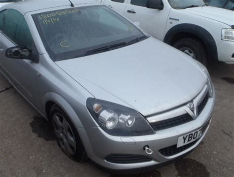 Vauxhall Astra Mk 5 H Front Bumper 3 Door Only Silver