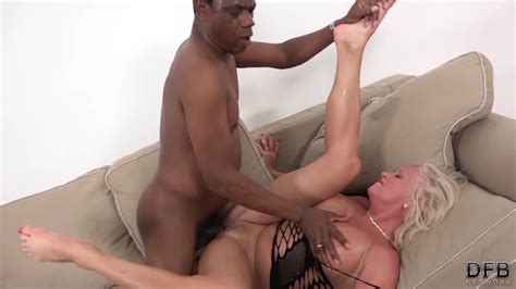 White Mature Has Multiple Orgasms During Sex With Black