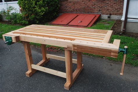 wooden traditional workbench woodworking plan