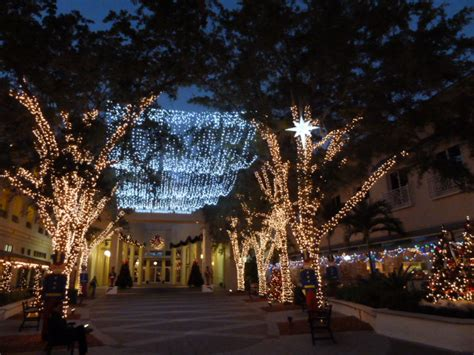 wheres eldo florida christmas spirit  naples  night