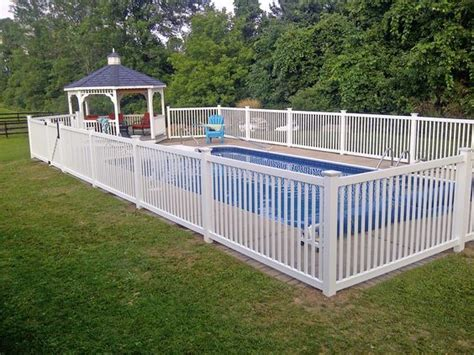 Backyard Pool Fence Ideas by Best 25 Pool Fence Ideas On Pool Ideas Pool