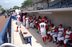 Crosscutters manager Pat Borders calls Bowman Field ...