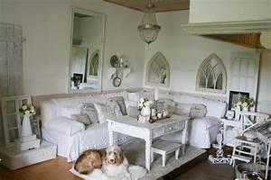 Shabby Chic Wohnzimmer : lovely vintage shabby chic wohnzimmer deko im historischen bauernhaus jetzt mit kirchenfenstern ~ Frokenaadalensverden.com Haus und Dekorationen