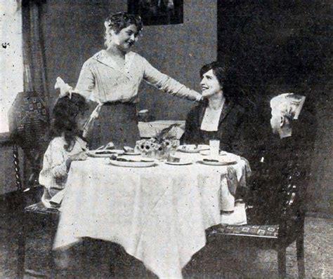 table manners 1 of 2 etiqueta glamour y protocolo by dd etiqueta sobre la mesa wikipedia la enciclopedia libre