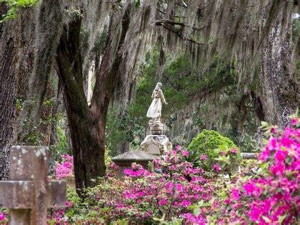 beautiful cemeteries   world conde nast traveler