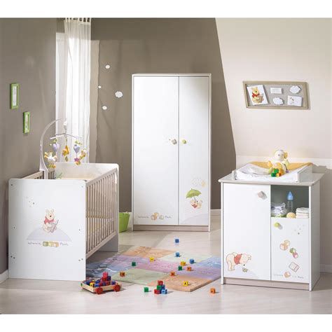 le chambre bebe decoration de chambre bebe winnie l ourson