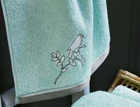 linge de toilette brode linge de toilette brod 233 dans les nuages linvosges
