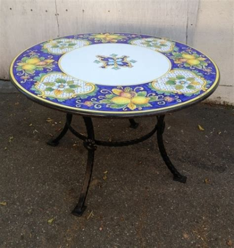 table ls with outlets in base 211 best images about italian ceramics on pinterest