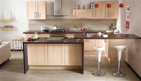 quelle couleur dans une cuisine quelle couleur accorder avec une cuisine en bois