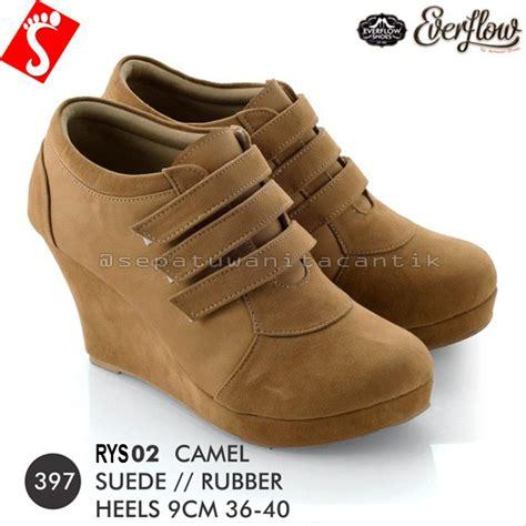 jual sepatu sandal pria kualitas terbaik blibli sepatu boots branded holidays oo