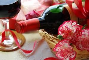 Geschenk Verpacken Folie : flasche in folie verpacken zum verschenken ~ Orissabook.com Haus und Dekorationen