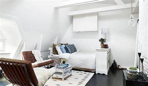 A Super Stylish Small Space Apartment : Ideas Para Decorar Un ático Pequeño Y Abuhardillado