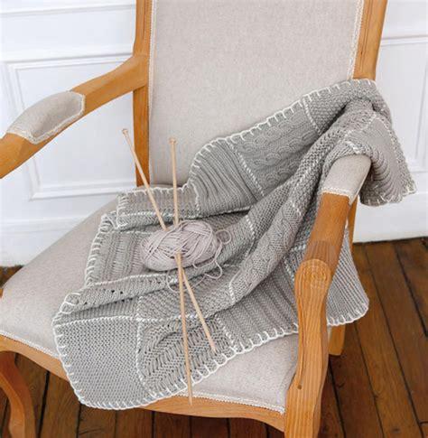 modele plaid tricot gratuit mod 232 le plaid en patchwork mod 232 les accessoires phildar
