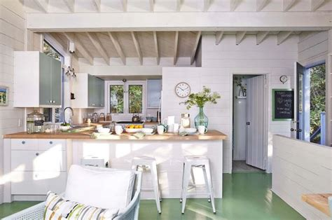 richardson cottage kitchen vacation in designer richardson s island cottage 5073