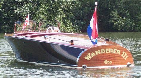 barrelback  foot classic mahogany runabout boat design   build