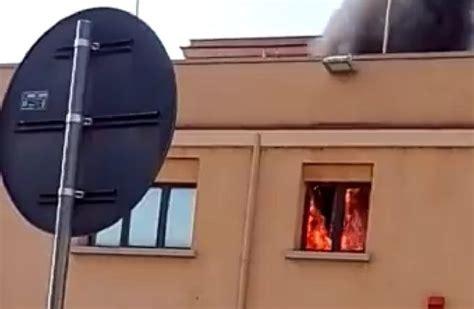 ufficio delle entrate chivasso incendio all agenzia dell entrate di termini imerese