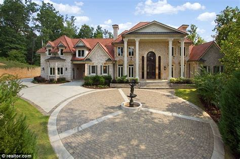 foreclosed multi million dollar mansions  show