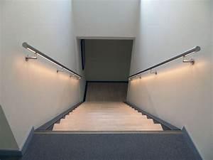 Spot Mural Interieur : rampe d 39 escalier le guide d 39 achat ~ Teatrodelosmanantiales.com Idées de Décoration