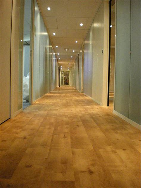 revêtements de sol bureau et boutique dalles pour sol pvc