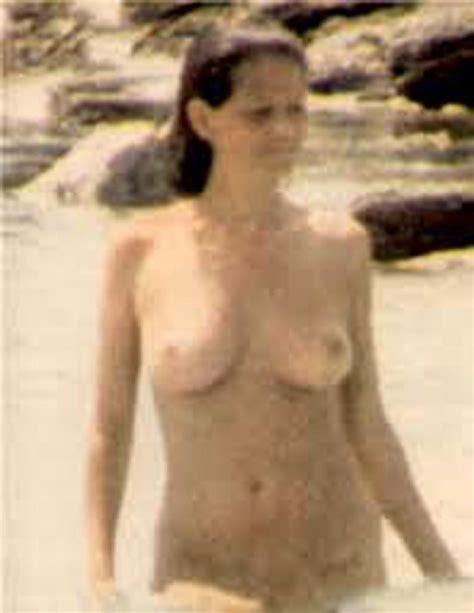 Claudia Ruiz  nackt