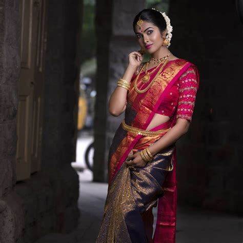 Actress Divi Vadthya HD Photos | HD Images | Wallpapers | South Celebrities