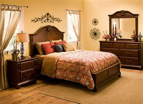 Ashbury 4pc Queen Bedroom Set  Cherry  Raymour & Flanigan
