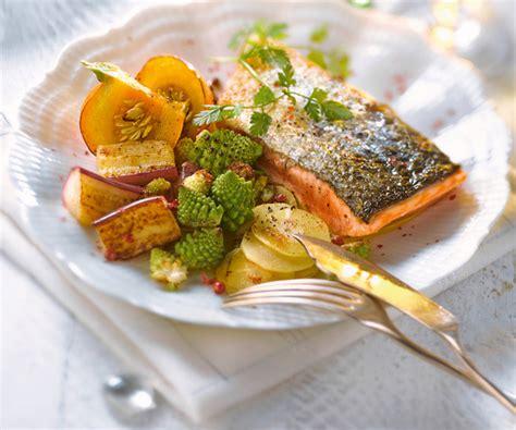 cuisiner un pavé de saumon plat facile pavé de saumon aux légumes oubliés