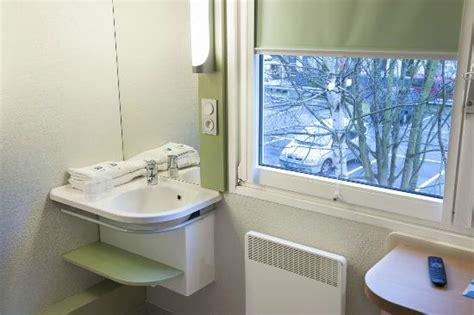 ibis budget dans la chambre salle de bain chambre picture of ibis budget marne la
