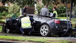 Lamborghini Cars - News: Gallardo Crashes into Bus Stop