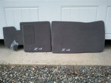 Brand New Bmw Z4 Plush Floor Mats