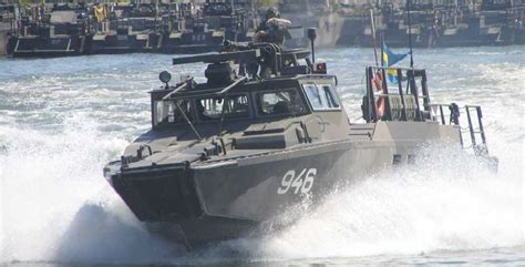 Catamaran Boat Suspension by Upgraded Version Of The Combat Boat 90 Ullman Dynamics