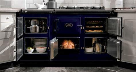 cuisine aga l 39 américain whirlpool tenté par les cuisinières de luxe aga