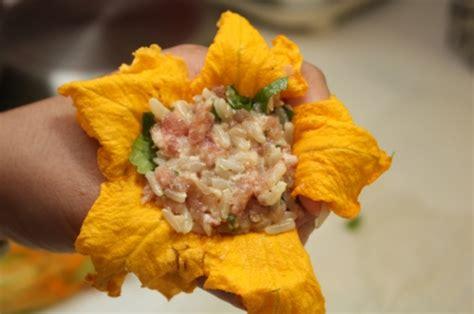 cuisiner un potiron fleurs de courgette et de potiron farcies la cuisine à