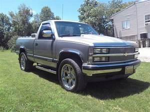 90 Chevy Silverado 4x4 Custom Style Great Cond