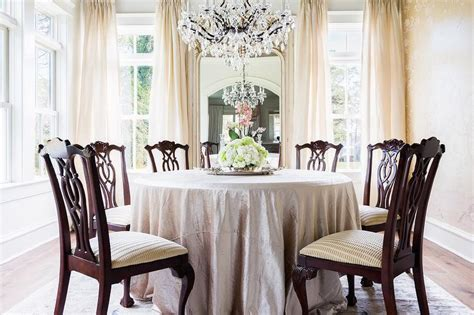 Round Silk Tablecloth Dining Table With