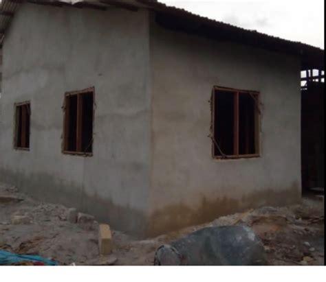 davido builds  house  utibe