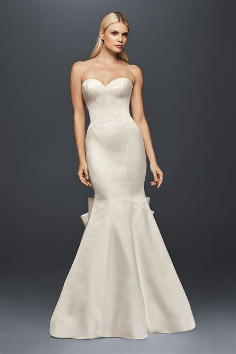 Allure Long Strapless Sweetheart Neckline Seamed Satin. Long Sleeve Lace Wedding Dresses Pinterest. Beach Wedding Dresses A Line. Princess Wedding Dresses Montreal. Modern Vintage Wedding Dresses Style D1639. Long Wedding Dresses. Fall Informal Wedding Dresses. Vintage Lace Wedding Dresses Glasgow. Wedding Dresses With Hijab