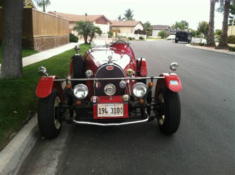 The original of this elegant race car has been turned into a modern sports car by duplicating its body in lightweight, super strong fiberglass, finished so beautifully, that. 1927 Bugatti Replica Type 35B By Jerred Auto Manufacturing Co. for sale