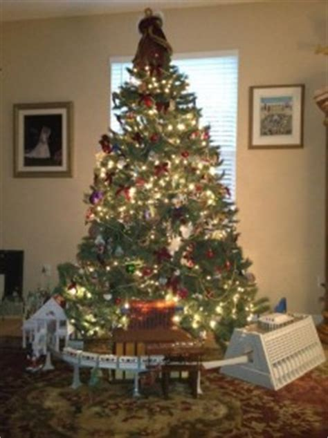 christmas tree  disney  contestwdw radio