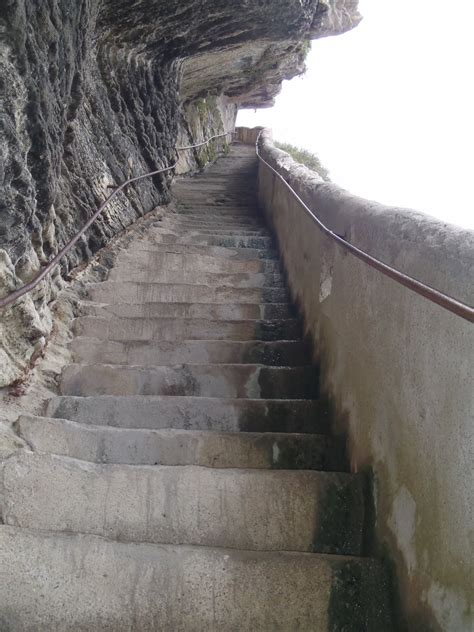 file quelques marches sur le 187 de l escalier du roi d aragon 224 bonifacio jpg wikimedia commons