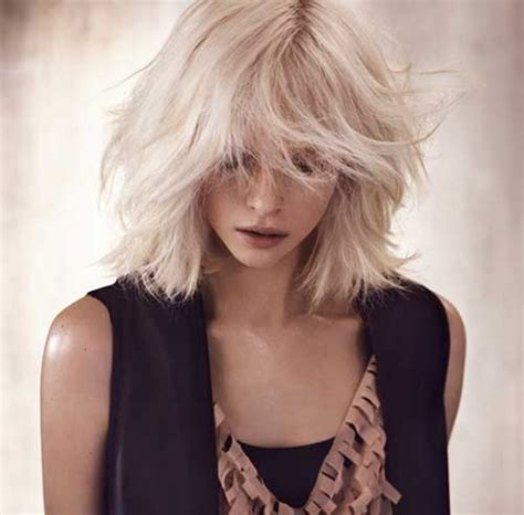 25 messy hairstyles for short hair short hairstyles 2018