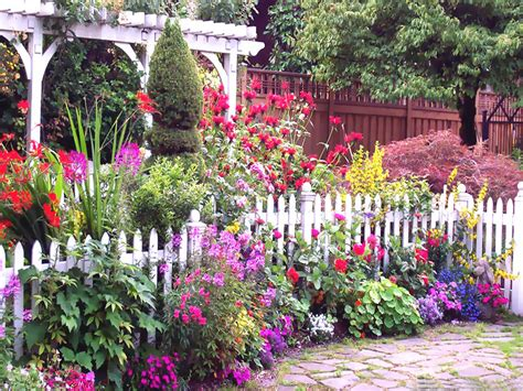 English Cottage Garden Pictures, Photos, And Images For
