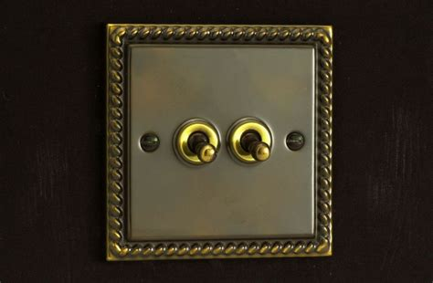 varilight  gang      dolly toggle light switch