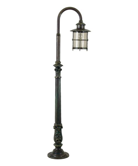 Light Post by Designs Front Yard Light Post Ideas On Curved Sidewalk