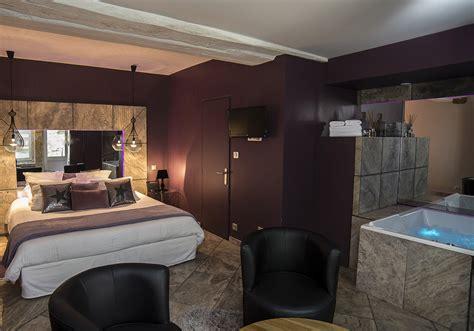 gargouille chambre d 39 hôtel lyon avec spa privatif le