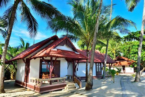 Bungalow Beachside  First Bungalow Beach Resort, Samui Hotel